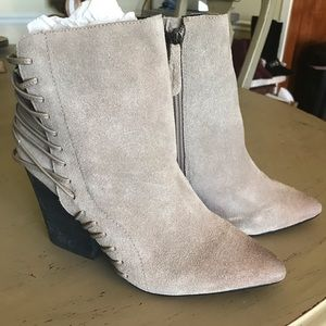 MoJo Moxy Grey (real) Leather Bootie 9.5